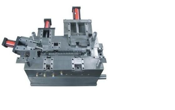 China Steel injection moulding tool plastic injection mould tooling for casting parts supplier